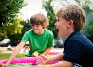 Die Kinder nutzen, während der Feier